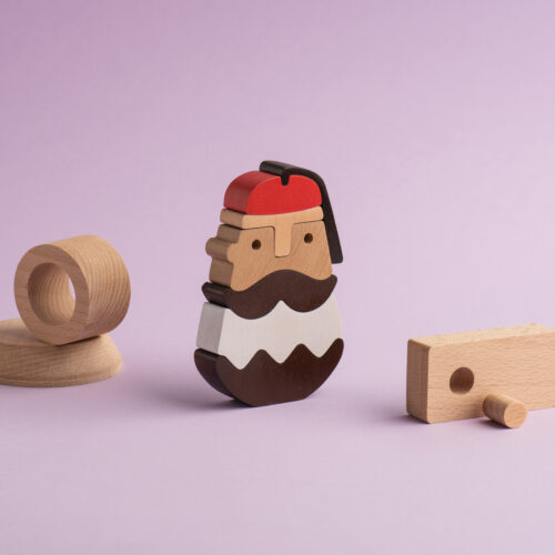 Holzfigur der TSOLIAS