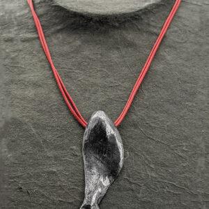 Schwarz rhodinierter Schmuck handgefertigt in Griechenland