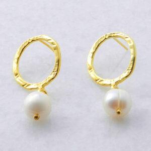 Vergoldete Silberohrringe mit Perle, Schmuck aus Griechenland